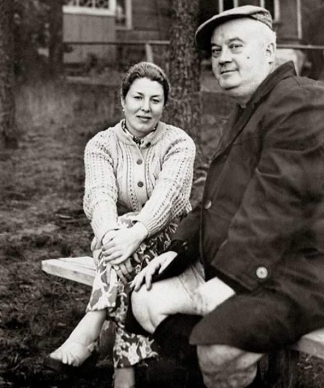 А вот для самого Моргунова 1966-й был все-таки удачным. Молодая супруга родила ему первенца — Антона, а в 1972 году появился сын Николай.