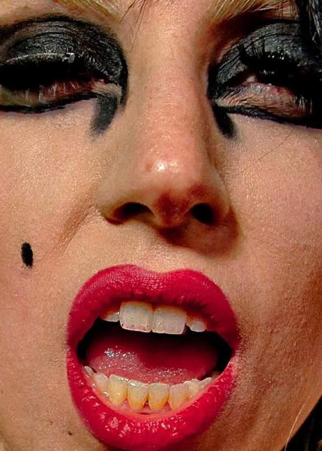Леди Гага, 33 года
