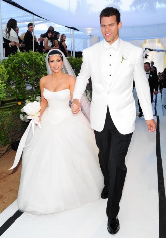 Затем Ким и ее второй муж, игрок NBA Крис Хамфри, заработали около 15 миллионов долларов на телевизионной трансляции собственной свадьбы.