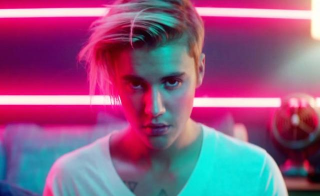 У него уже несколько альбомов, более десятка синглов и толпы поклонниц по всему миру.