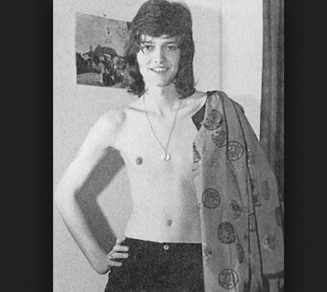"""Скандальную известность Каролина приобрела, когда журналистам удалось раскопать факты о том, что прежде это был мужчина. Но Тула не оставила карьеру модели и даже написала книгу """"Я — женщина""""."""