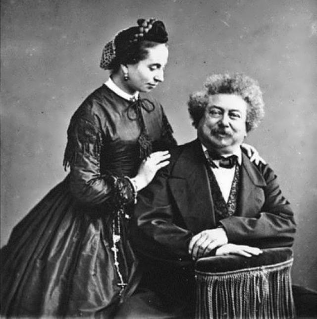 В 1840 году Дюма женился на актрисе Иде Ферье, при этом продолжая связи с многими другими женщинами. Супруги фактически расстались в 1844 году, но развод так и не был оформлен. Любовные похождения писателя частично отображались в его романах.