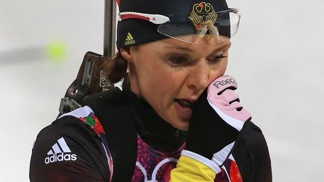 Прямо в ходе Олимпиады стало известно, что на допинге попалась двукратная олимпийская чемпионка биатлонистка Эви Захенбахер-Штеле.
