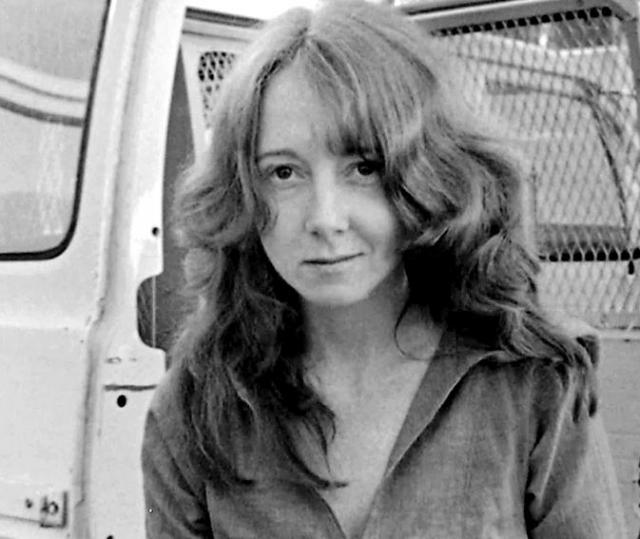 В 1975 году одна из самых преданных последовательниц Мэнсона Линетт Фромм направила пистолет на президента США Джеральда Форда во время его прогулки в парке Сакраменто. Она была приговорена к пожизненному заключению за попытку покушения на президента.