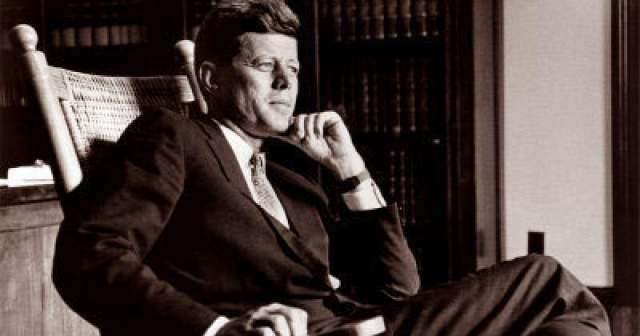 С детства президент страдал астмой и аллергией в сильной форме. Испытывал он и серьезные проблемы с позвоночником, на котором перенес пять операций, после одной из них Кеннеди находился на грани жизни и смерти.