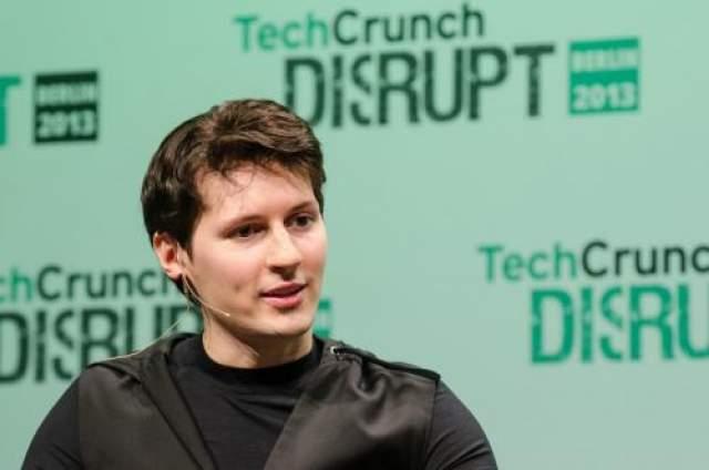 Идея по организации студенческого сайта не оставляла Дурова, в особенности после того, как юному программисту показали концепцию социальной сети Facebook, где пользователи размещали свои реальные имена и фотографии.