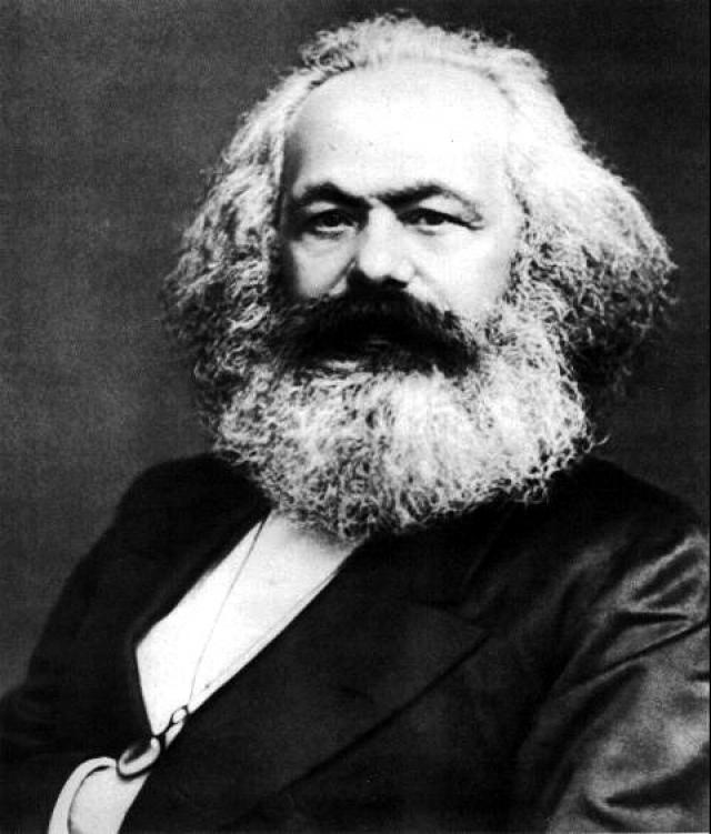 """Карл Маркс : """"Религия - это вздох угнетенной твари, сердце бессердечного мира, подобно тому как она - дух бездушных порядков. Религия есть опиум народа."""""""