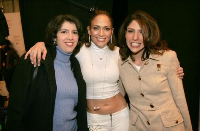 Линда и Лесли Лопес. Сестры Дженнифер Лопес также решили посвятить себя шоу-бизнесу, правда в ином амплуа и на ином уровне.