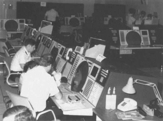 """Компьютер в штабе ПВО выдавал так называемые """"типографические ошибки"""" и посылал сообщения в САК (стратегическое авиационное командование) и национальный командный центр Военных Сил о запуске ракет."""
