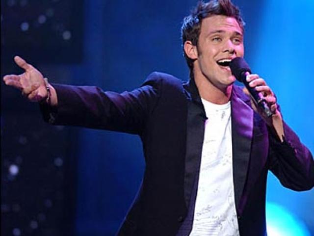 Уилл Янг. В 2002 году, сразу после победы в британском шоу Pop Idol, певец заявил о том, что он - гей.