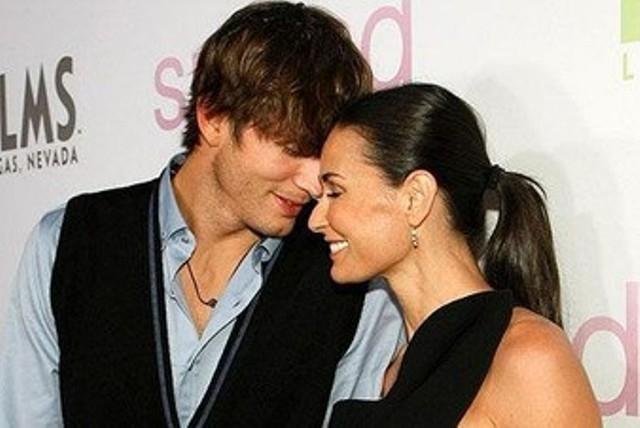 """Эштон утверждал, что был влюблен в нее с 12 лет – с тех самых пор, как увидел ее в """"Привидении"""". Увы, брак также вскоре распался из-за измены супруга."""