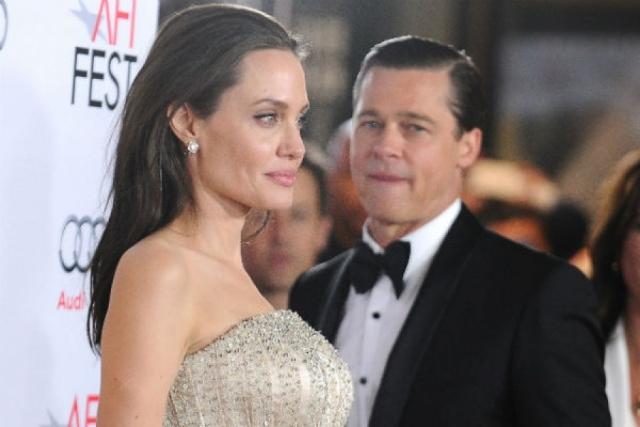 После долгих опровержений 11 января 2006 года пара подтвердила свои отношения, заявив, что Джоли ждет ребенка от Питта. Поклонники встали на сторону Энистон, а журналисты еще долго обсуждали произошедшее.