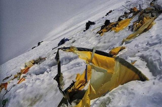 В 2007-м на пик Ленина была организована первая поездка для сбора останков. Ею руководил сын одного из погибших альпинистов Петр Щедрин. Затем было еще несколько подобных экспедиций.