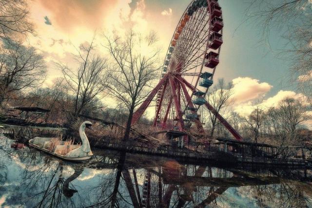 Заброшенный парк аттракционов, Германия. В 1969 году начал свою деятельность Шпреепарк в Берлине.
