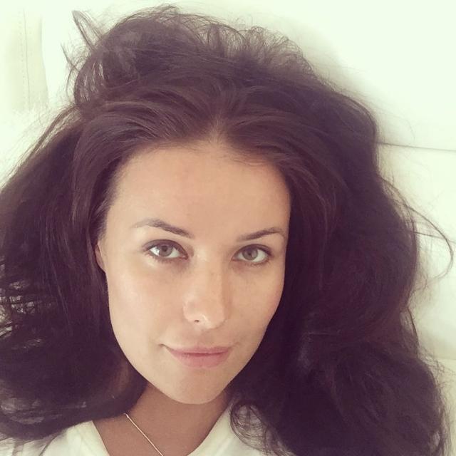 Оксана Федорова. Когда бывшая Мисс мира опубликовала снимок без макияжа, поклонники не сразу узнали ее, и это при том, что остатки косметики на ней все-таки были.