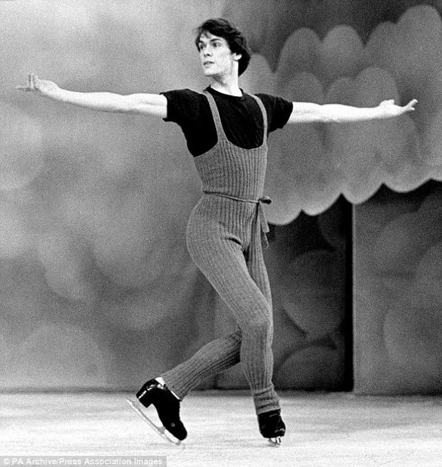 В 1991 году у Карри уже диагностировали СПИД. Он умер от сердечного приступа в 1994 году в возрасте 44 лет.