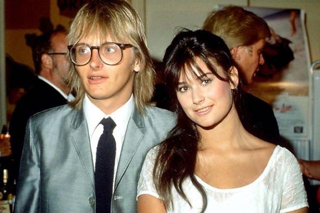 Вскоре они поженились. Брак продлился пять лет, от него Деми оставила ставшую знаменитой фамилию.