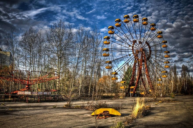 Припять, Украина. После чернобыльской катастрофы Припять, пожалуй, один из самых известных городов-призраков в мире.