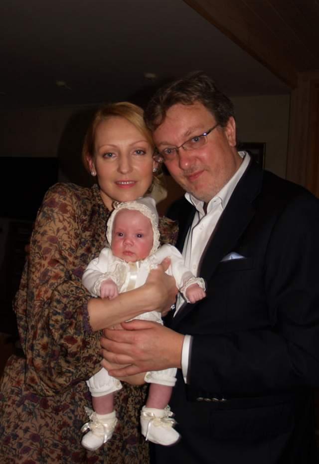 Илзе Лиепа - родила дочь в 46 лет. Весной 2010 года у солистки Большого театра появился на свет долгожданнейший ребенок. Девочку назвали Надеждой.