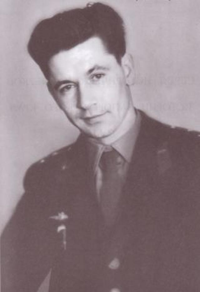 """Но его """"замкнуло"""", чем он сам поставил крест на своей дальнейшей карьере. После отчисления из отряда космонавтов Григорий Нелюбов продолжил службу в Военно-воздушных силах СССР на Дальнем Востоке."""