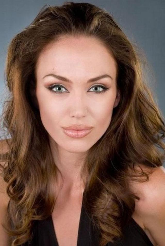 О карьере двойника она даже и не думала, поскольку некоторое время назад бума вокруг имени Джоли вовсе не было.
