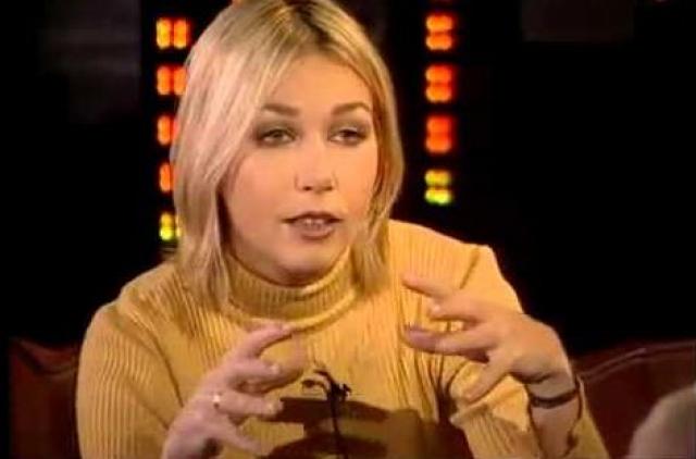 """Ксения Стриж вела передачи """"У Ксюши"""", """"Стриж и другие"""", """"Ночное рандеву""""… Такой бешеной популярности и признания, как во время работы в программе """"У Ксюши"""", у нее никогда не было. В начале 90-х музыки на ТВ было мало, а Стриж звала в свое шоу самых интересных артистов."""