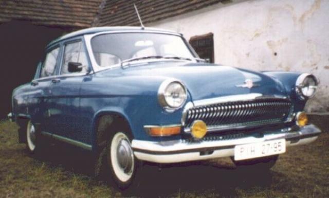 А первым для советского рынка автомобилем с автоматической коробкой передач стала Волга – ГАЗ 21И . Этот трехобъемный седан пришел на смену устаревшей Победе в конце 50-х, а именно в 1958 году.