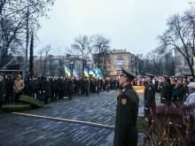 Перед Порошенко снова упал в обморок солдат почетного караула