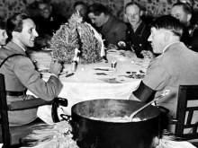 Историки выяснили странные предпочтения Гитлера в еде