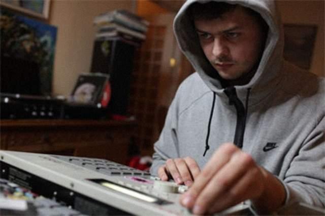 В 2011 году он стал участником ежегодного международного фестиваля современной музыки Sónar в Барселоне.