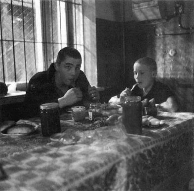 Во втором фильме Сергей появился на экране всего лишь на мгновения, сыграв малолетнего правонарушителя в серой робе и с биркой на груди, сидящего в ожидании собственной судьбы рядом с пойманным главным героем.