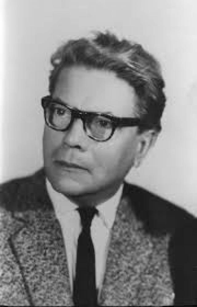 Астроном Игорь Астапович предположил, что Тунгусский феномен можно объяснить рикошетом крупного метеорита от плотных слоев атмосферы.