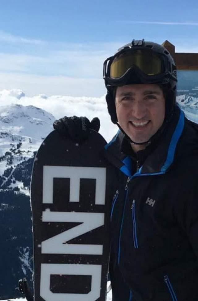 Также канадский политик бегает, катается на сноуборде и занимается греблей на байдарках.