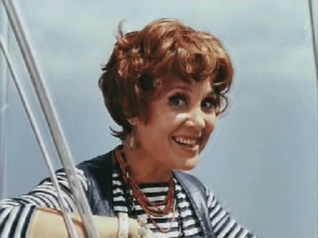 """Всего она озвучила более 70 фильмов. Потрясающая характерная актриса, она относилась к себе с юмором, даже говорила про себя подругам: """"Я – такой щенок, с завернутым ухом, веселый и шебутной"""" ."""