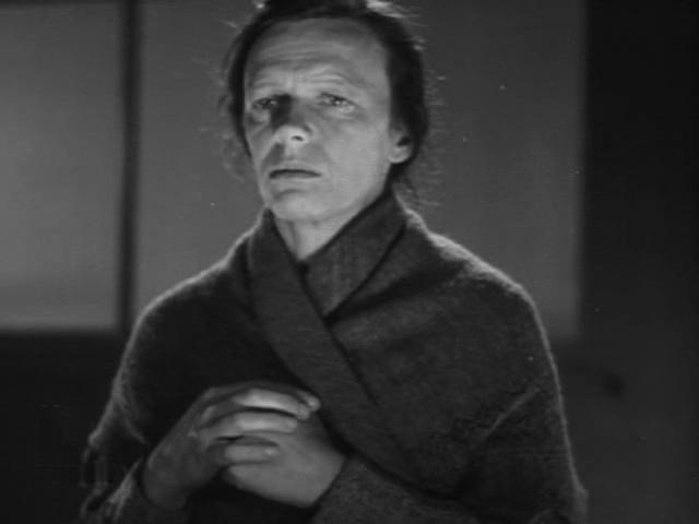 """Одна из первых ролей - в фильме """"Простые люди"""" 1945 года."""