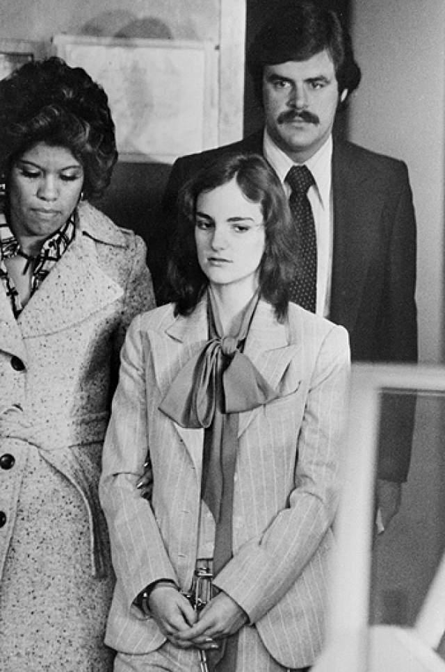 В дело вмешался президент США Джимми Картер, и срок сначала сократили, а затем вовсе отменили под давлением общественности.