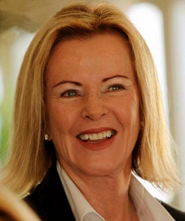 Сейчас княгиня Анни-Фрид Рейсс фон Плауэн живет в небольшом альпийском поселке Церматт, дружит со Шведской королевской семьей, занимается благотворительностью и вкладывает деньги в экологические проекты.