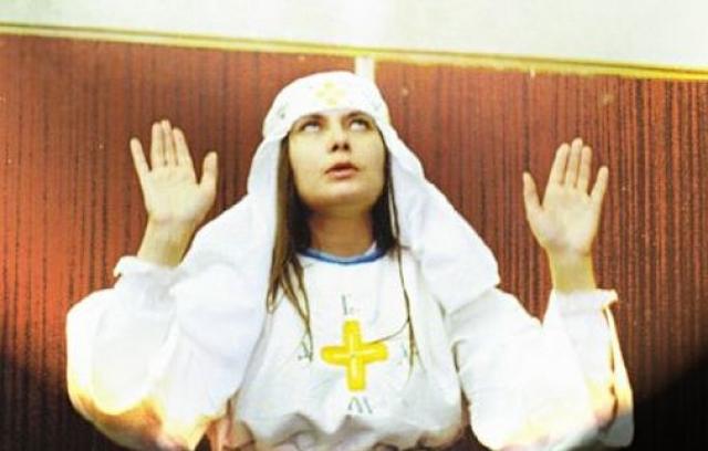 """Члены секты """"Белое братство"""" уходили из дома и отдавали своим лидерам все свои сбережения и ценности. В начале мая 2013 года в украинских СМИ появилась информация о том, что Цвигун восстановила """"Белое братство"""" в Украине и набирает новых членов секты."""