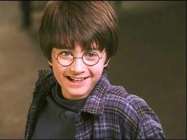 Гарри Поттер. Этот герой вселил уверенность в миллионы детей и подростков по всему миру, которые стеснялись носить очки.