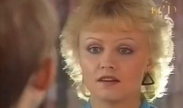 После распада СССР Анне продолжает гастролировать по Эстонии. В дискорафии артистки все чаще появляются альбомы, ориентированные на эстонскую публику, но и гостеприимную Россию Анне не забывает.