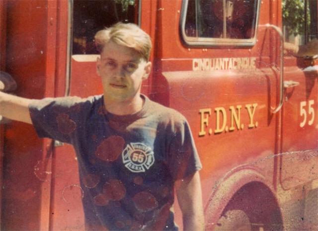 Стив Бушеми проработал пожарником четыре года а в Нью-Йорке. 11 сентября 2001 года он помогал разбирать завалы разрушенных торговых центров.