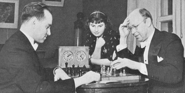 Однажды Прокофьев играл шахматную партию даже с экс-чемпионом мира по шахматам Э.Ласкером и смог свести ее к ничьей.
