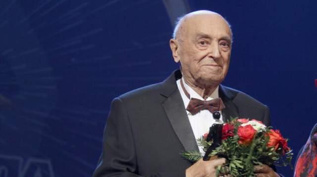 Владимир Этуш скончался совсем недавно. 8 марта он попал в больницу, а уже на следующий день его сердце остановилось.
