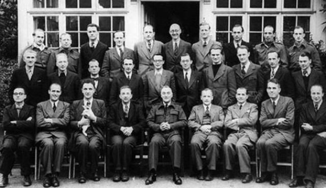 """Начальным намерением майора Стейвера был только допрос ученых, однако то, что он узнал, изменило цели операции. 22 мая 1945 года он отправил телеграмму в Пентагон полковнику Джоэлу Холмсу с настоянием эвакуировать германских ученых и их семьи, как крайне """"важных для успеха в Тихоокеанской войне""""."""