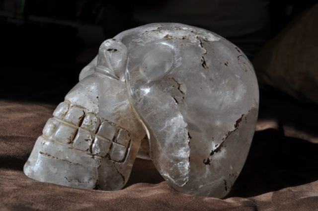 Горный хрусталь – один из самых твердых минералов на земле.