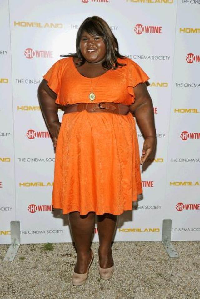 123-килограммовая актриса любит яркие наряды и уверено чувствует себя на красной ковровой дорожке.