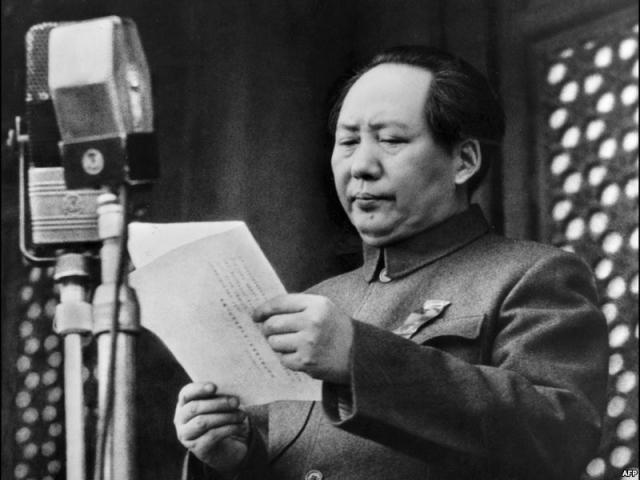 Личный врач диктатора доктор Ли после смерти вождя поведал, что его властьимущий пациент страдал депрессиями, с каждым годом развивающимися с большей силой.