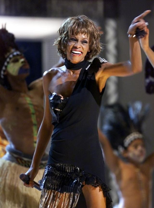 В следующем году Хьюстон появилась на концерте в честь 30-летия карьеры Майкла Джексона. Она выглядела шокирующе худой, что вновь подняло волну слухов об употреблении наркотиков, анорексии и булимии.