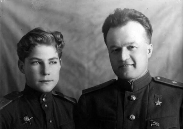 Аркадий Каманин, 14 лет. Самый молодой летчик Второй мировой войны, да и, скорее всего, всех случавшихся на земле войн. Сын прославленного пилота Николая Каманина, одного из первых Героев Советского Союза.