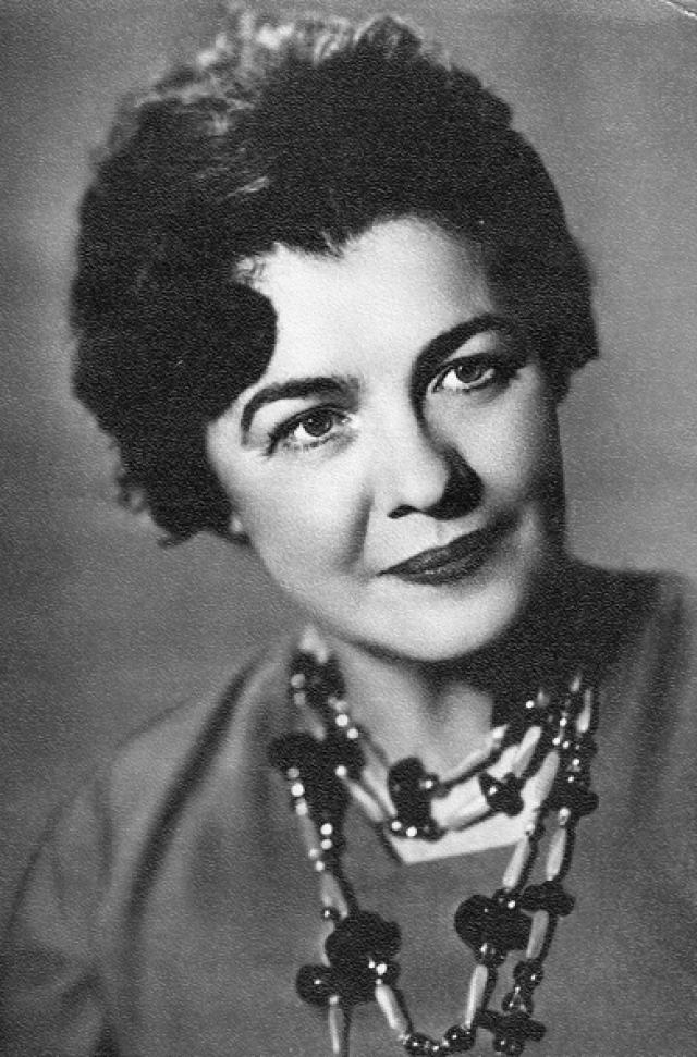 """После """"Карнавальной ночи"""" в кино актриса появилась лишь однажды - в фильме 1964 года """"Золотая долина""""."""